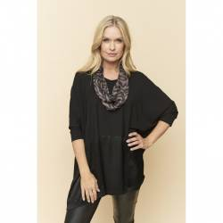 Pont Neuf tunic with 3/4 sleeves plus size- black Desiree, front stylisation details